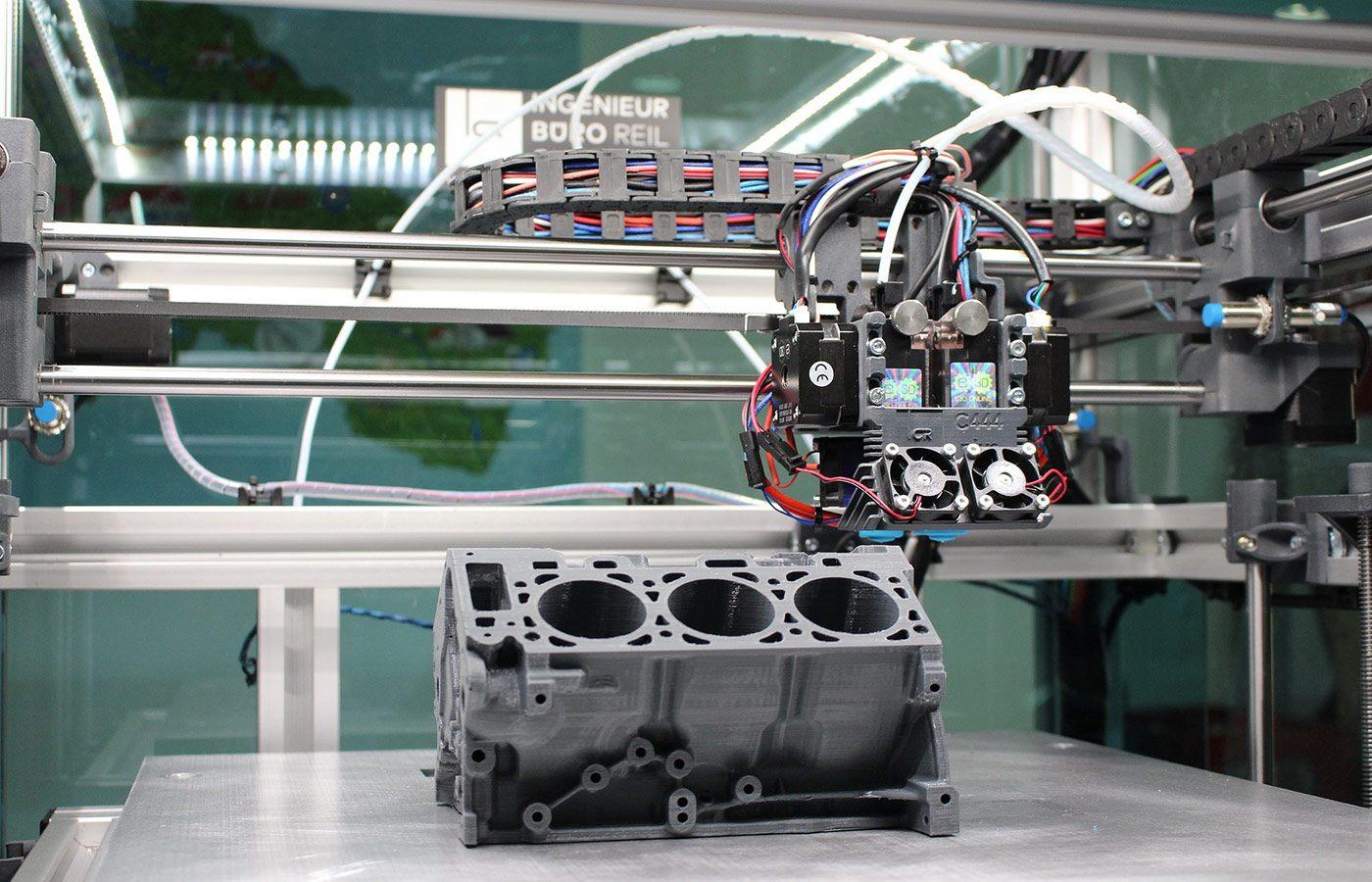 Uma impressora 3D, uma máquina que é utilizada na indústria 4.0