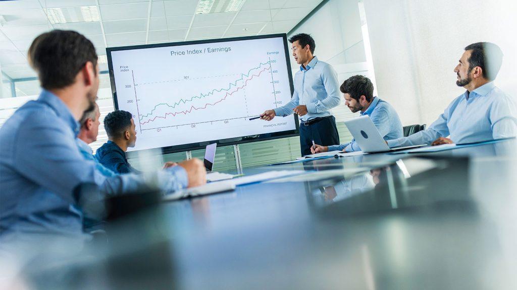 Foto mostrando uma reunião de Gestão Financeira