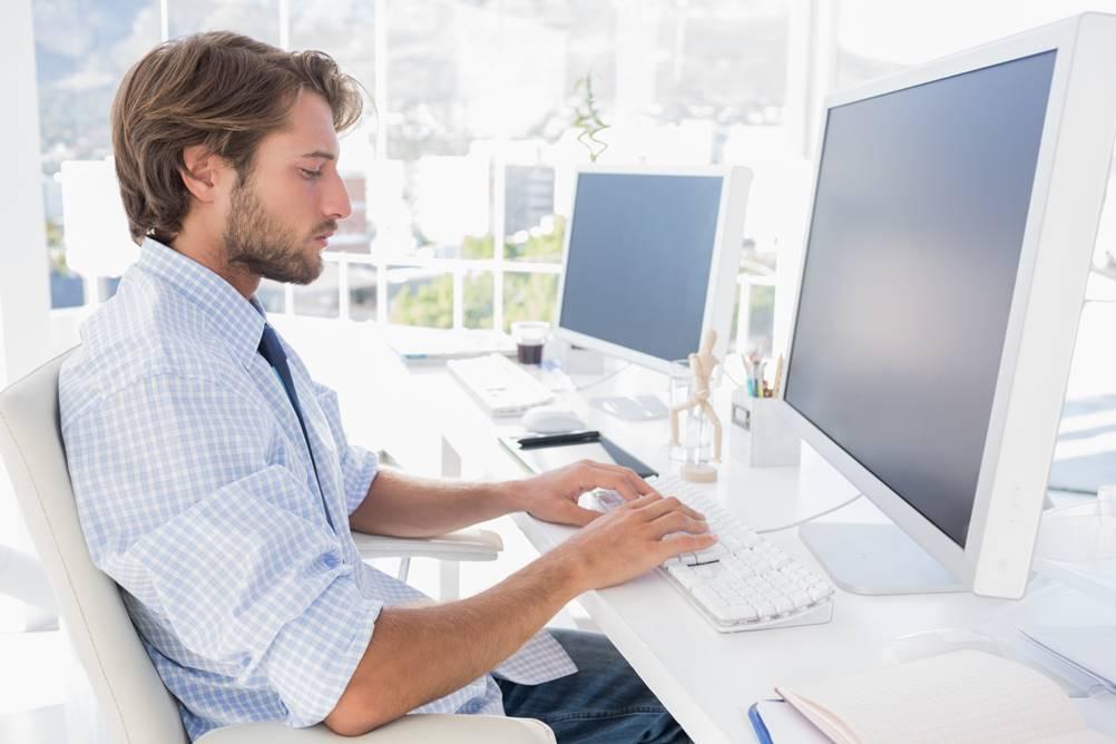 Homem estudando como fazer PROCV