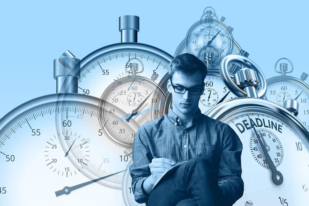Uma imagem comparando o estudo do tempo x estudo do movimento