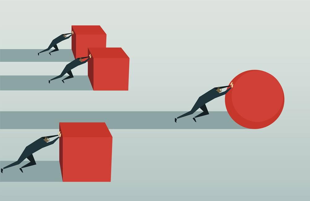 Na ilustração, há a metaforizarão da vantagem competitiva que o curso white belt provoca.