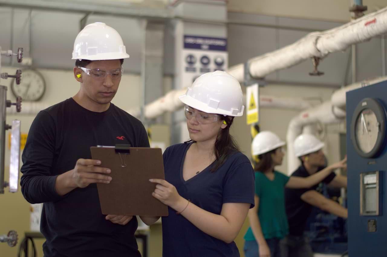 O que é Engenharia de Produção? Qual a média salarial desse profissional?